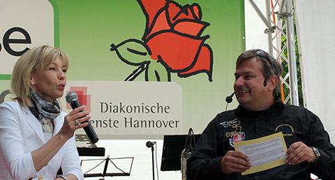 Doris Schröder-Köpf und Moderator Christoph Dannowski