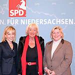 v.l.n.r.: Doris Schröder-Köpf, Renate Schmidt und Cornelia Rundt