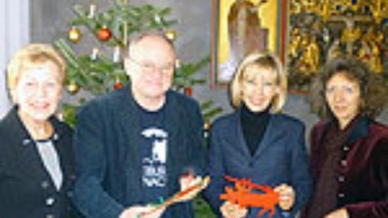 v.r.: Christine Ranke-Heck, Doris Schröder-Köpf, Herrn Hess und Isabell Schieber